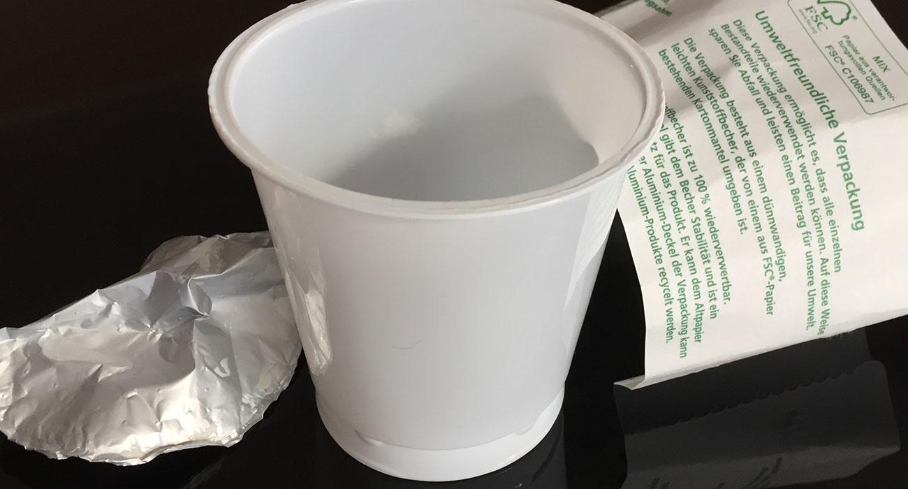 Bio Plastikbecher zum Abtrennen der einzelnen Bestandteile