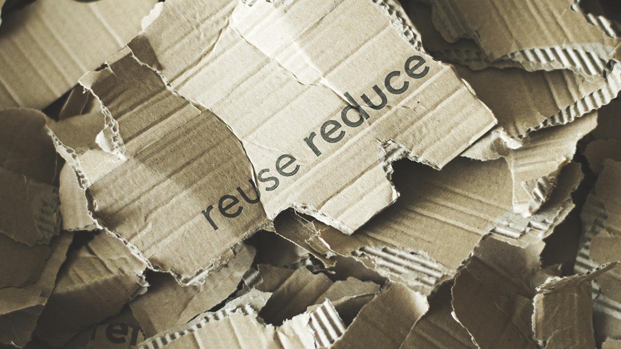 Zerissener Verpackungskarton